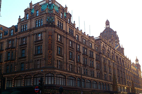 outside-harrods-department-store