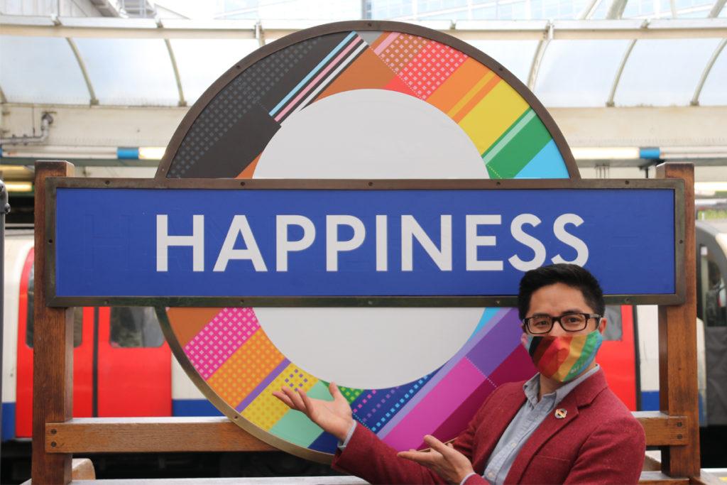 Dan Vo with Happiness roundel